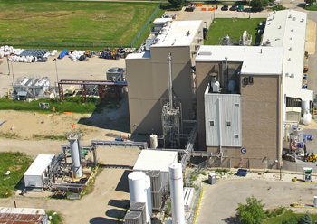 PILOT PLANT SITE -- Figure 1. A pilot plant at Gas Technology Institute's advanced gasification test facility processes renewable gasoline from woody biomass. Source: Gas Technology Institute.
