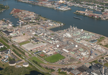 Dutch Site -- Figure 1. The Dordrecht complex in the Netherlands includes nine manufacturing plants and is DuPont's largest site in Europe. Source: DuPont.