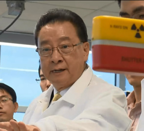Polymer Researcher -- Figure 1. Professor Cheng and his team have created a new molecule for constructing building blocks with high precision. Source: The University of Akron.